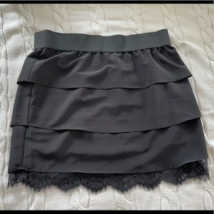 Aritzia Central Park Black Tier Lace Mini Skirt L